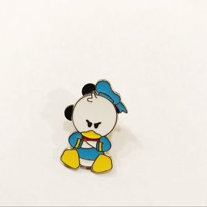 Disney angry Donald Duck trading pin